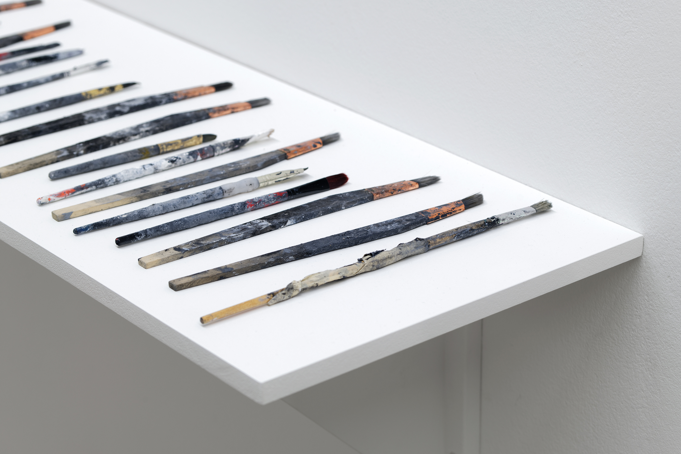 Clare Strand, Paint Brushes, 2018, collection du Musée national d'art  moderne / Centre de création industrielle, Paris