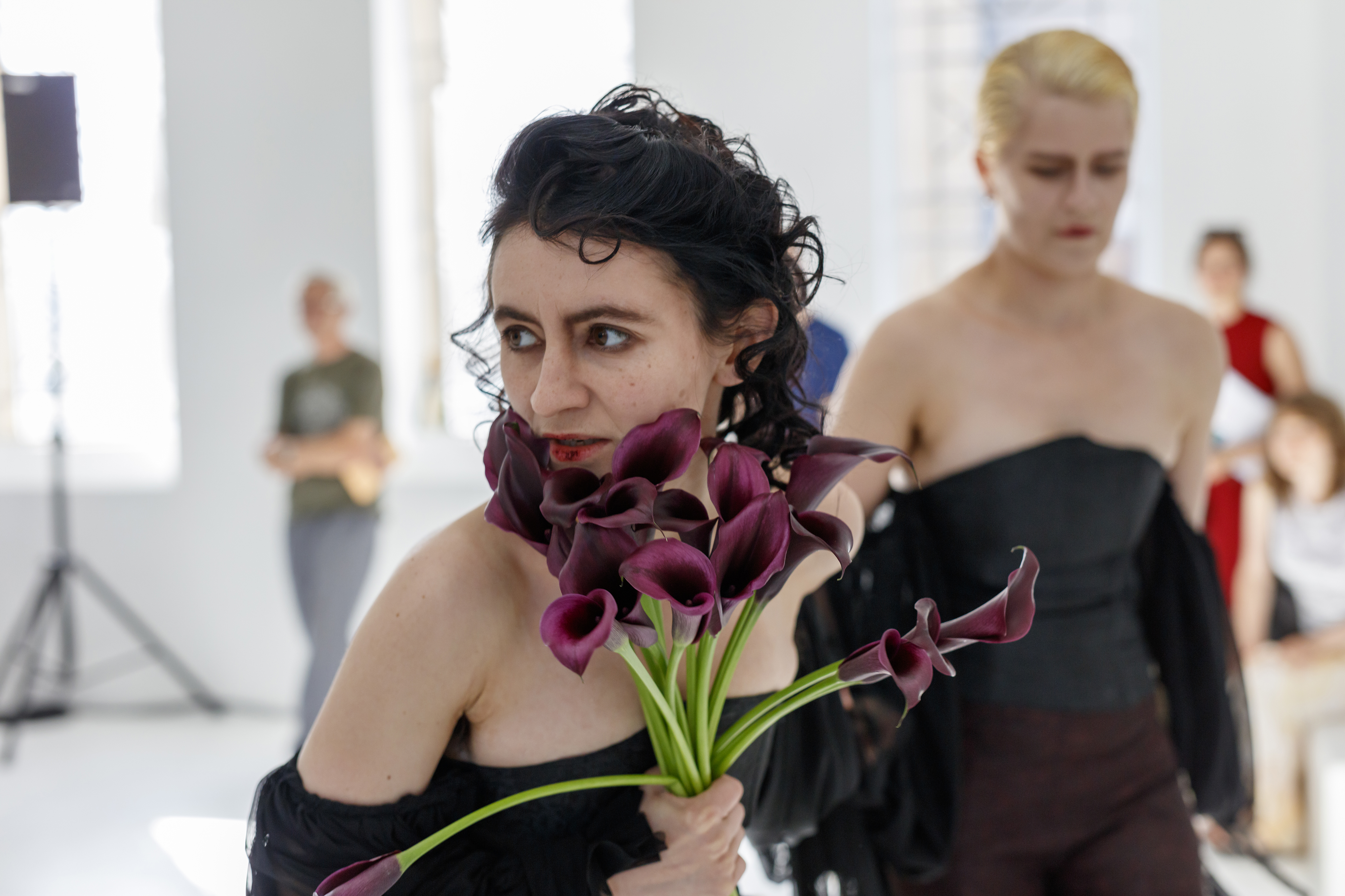 New Noveta, Alukah Abad, 2019 (featuring Vindicatrix, avec création de Miranda Keys et costumes par Xenab Lone), performance dans le cadre de l'exposition Digital Gothic, CAC-La synagogue de Delme, 2019. Photo: O.H. Dancy.